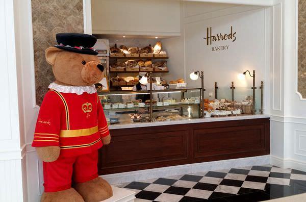 【曼谷美食】泰迪熊專賣店 ● 英國老字號 – Harrods Bakery