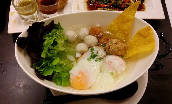 【曼谷小吃】老店大變身 — Lim Lao Ngow 林老五魚丸麵店